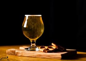 M_Kloth_beer_and_pretzels-3856b
